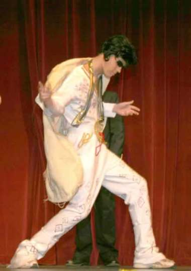 Dusty Higgins as the King.