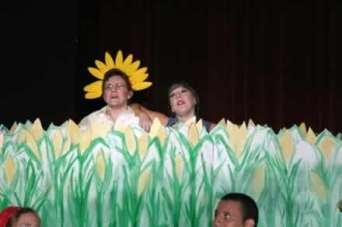 Sharla Bardin and Lana Flowers in the cornfield.