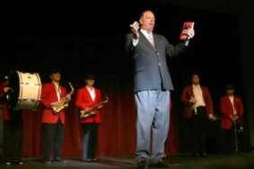 Grady Jim Robinson as Armani Ronnie Floyd with his Band of Saints.