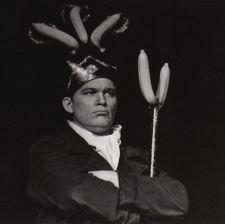 Scott VanLaningham as Frank White, the banana king.